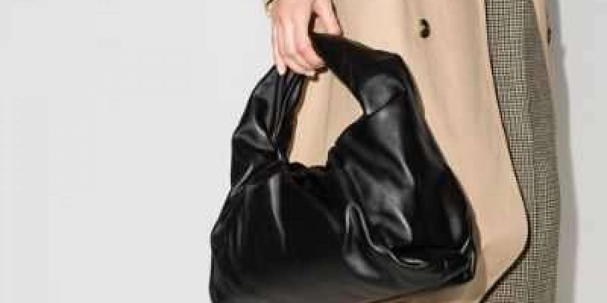 Bottega Veneta Handbags its best to sell or buy